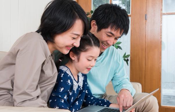 子供にプログラミングを何歳から始めさせる?